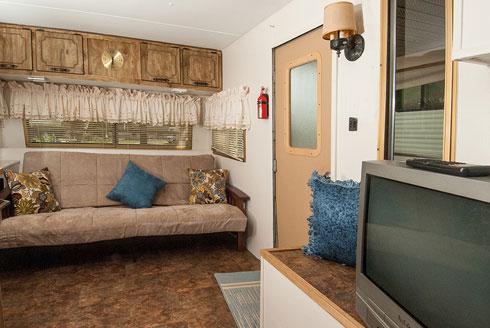 Camper-A22-Inside2.jpg