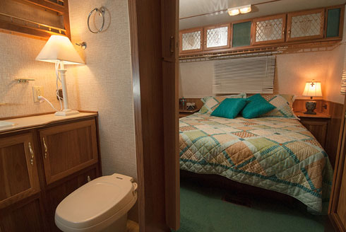 Camper-A28-bed+bath.jpg